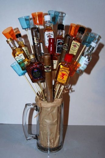 Beer Mug Bouquet with alcohol bottles and a cigar/ The best easy DIY Valentine's Day Gifts for him
