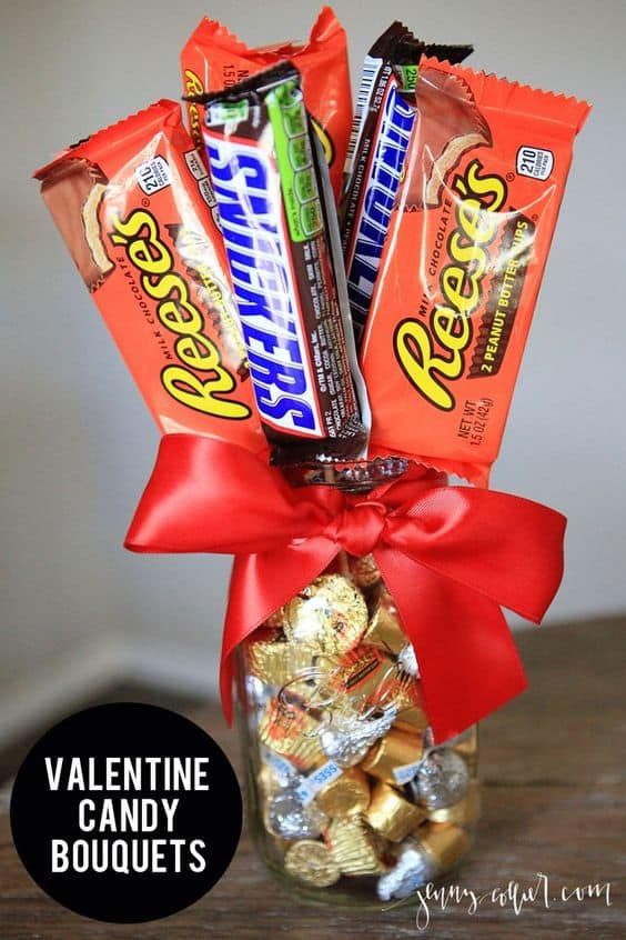 Candy Bouquet/ The best easy DIY Valentine's Day Gifts for him, for kids, for her, DIY, for teachers, crafts, friends, galentines day