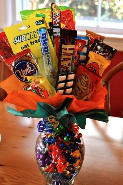 Candy and Subway Gift card Bouquet in a vase / Valentine's DIY boyfriend gifts