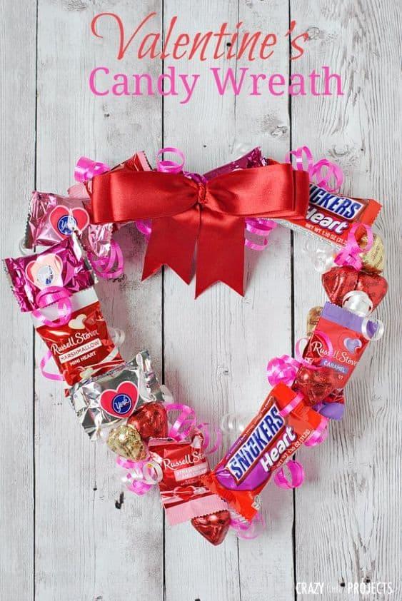 Valentine's Day Candy Wreath/ DIY boyfriend gifts