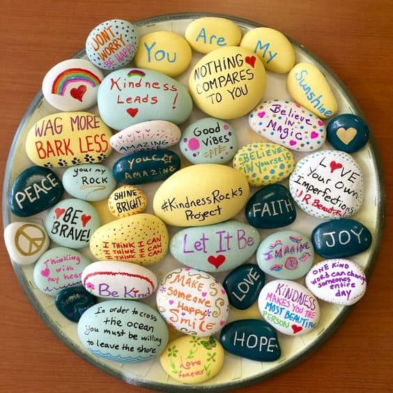 DIY Painted Inspiration Stones/ The Ultimate DIY Guide to Valentine's Day Gifts