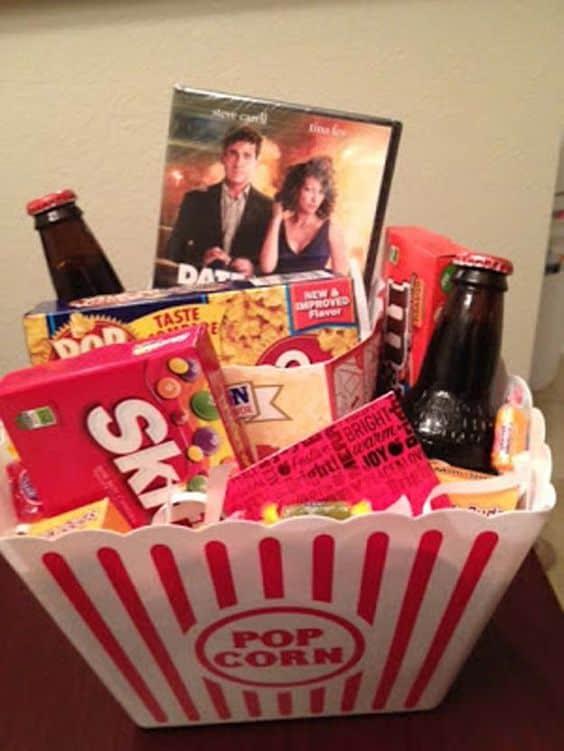 Movie basket gift. DIY boyfriend gifts.