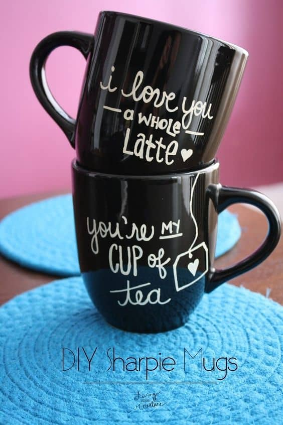 DIY Black Mug for Him/ The Ultimate DIY Guide to Valentine's Day Gifts for Him/ DIY boyfriend gifts