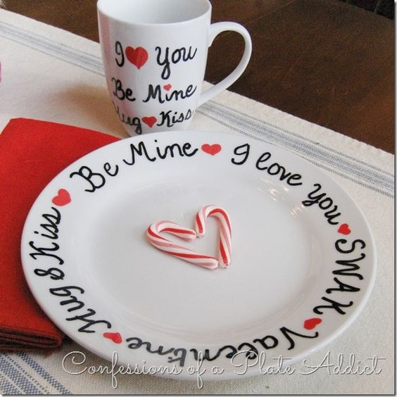 DIY Valentine's Day Mug and Plate Set/ The best DIY Valentine's Day Gift Ideas