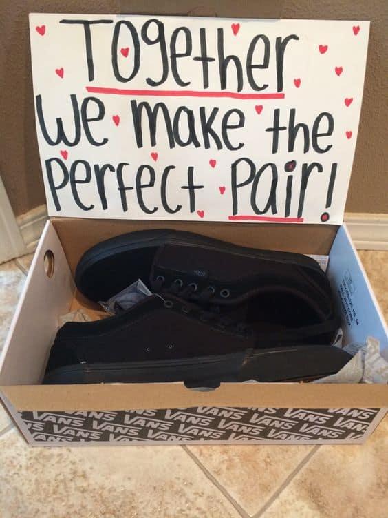 Shoes pun gift idea. DIY boyfriend gifts