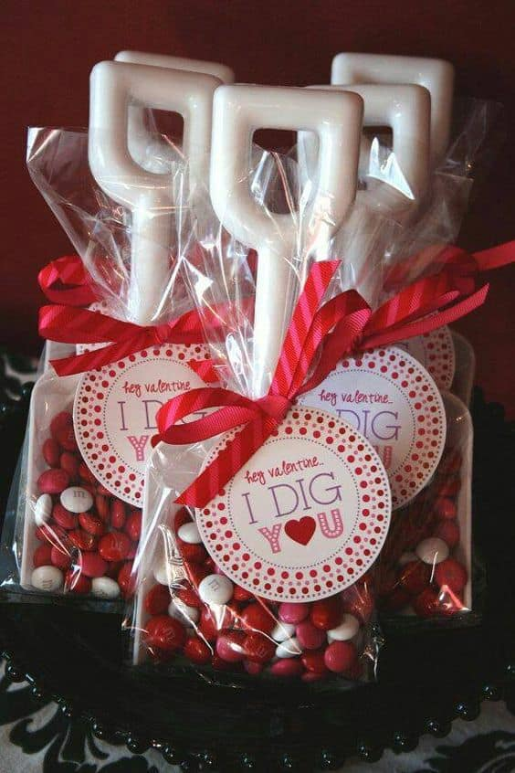 Shovel candy pun/ DIY boyfriend gifts