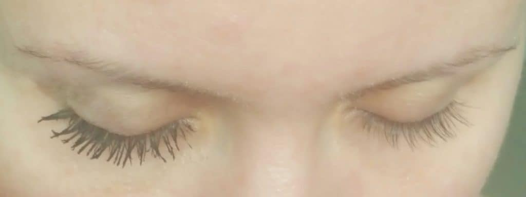 Best Mascara is $5 and better than your designer brand l Best Drugstore Make Up