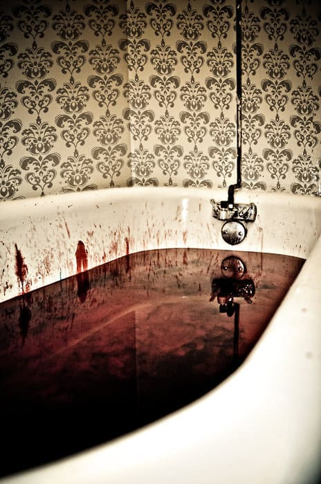 Easy DIY Halloween Bathroom Decorations- Bloody Bathroom Tub Water