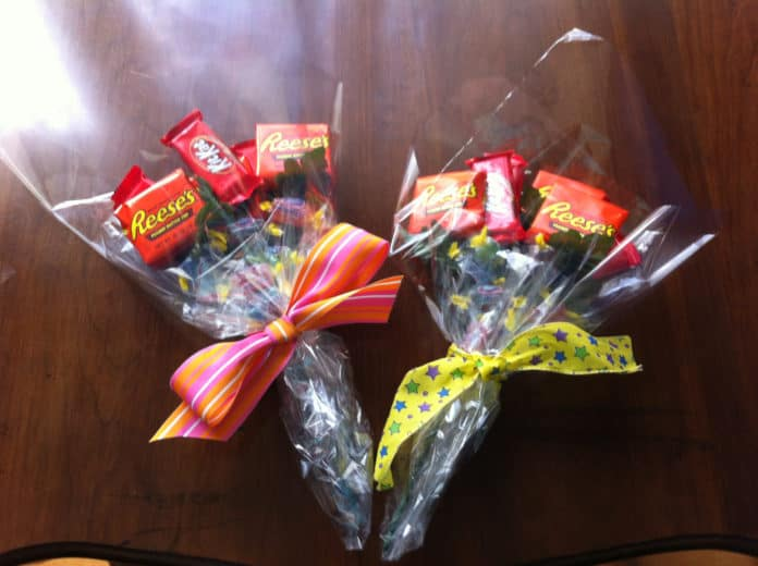 Easy DIY candy bouquet gift idea for Father's Day