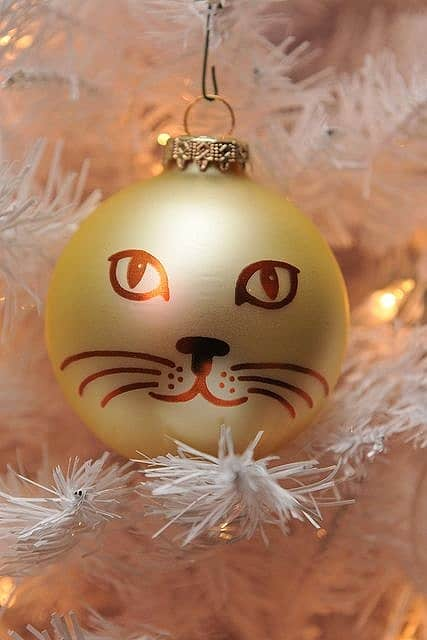 Easy DIY Cat Ornament made with a Sharpie. Great, simple, craft gift for kids, teachers, friends, and Christmas.