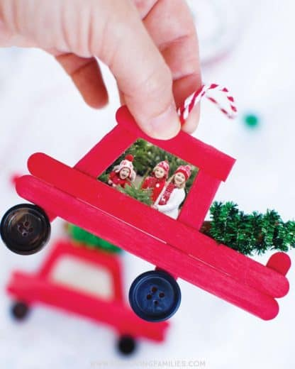 Easy DIY Christmas Ornament Crafts for kids. Cute rustic keepsake Christmass decoration