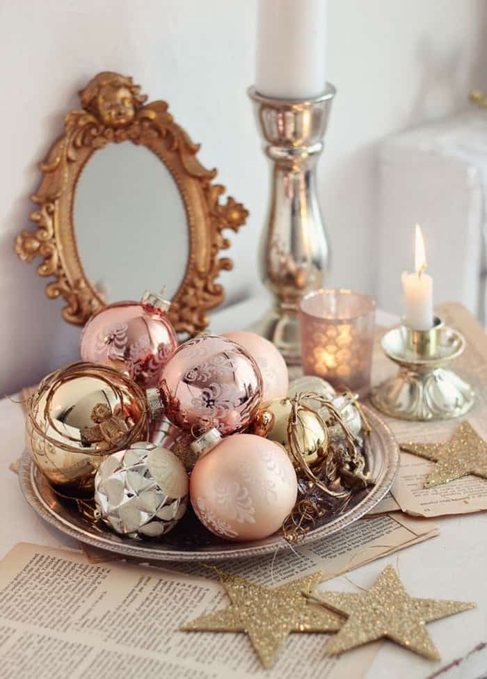 Easy DIY Christmas Decorations Ornaments on a Plate