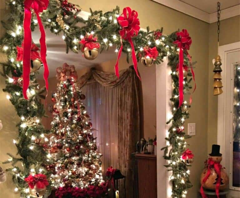 15 Easy DIY Ways To Decorate Your Home For Christmas