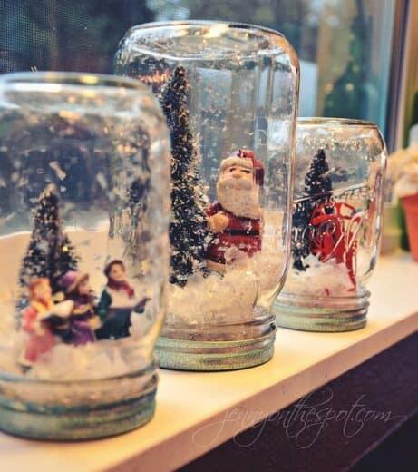 DIY No Water Christmas Snow globe