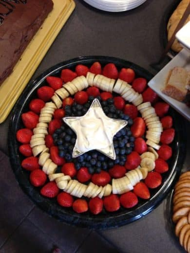 Star dip fruit platter. Easy DIY 4th of July party ideas for Food and decorations.