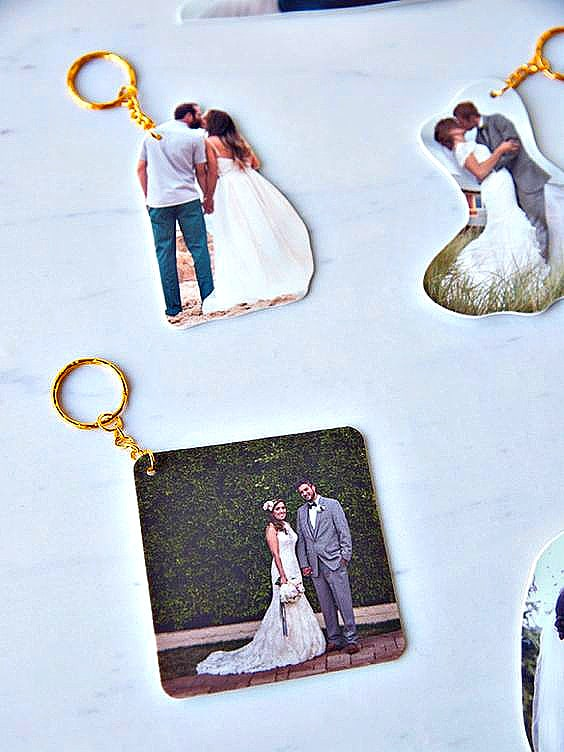 DIY Shrinkie Dink keychain made out of wedding and couple photos perfect for Valentines Day, or anniversary gifts.