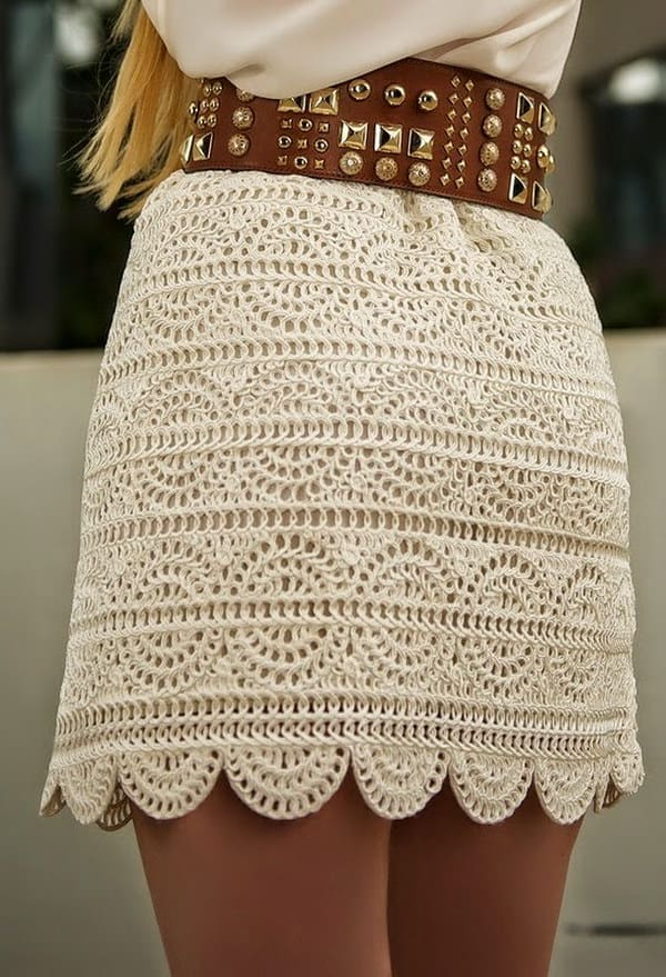 DIY Crochet Boho Skirt with FREE PATTERN. Cute, trendy outfit for Spring and Summer. Also a great gift idea. The best free crotchet patterns and tutorials.