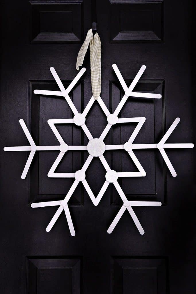 Easy DIY Popsicle Stick Snowflake Christmas Decoration Craft