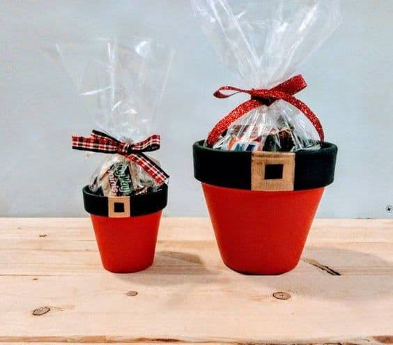 How to make: Easy DIY Candy Or Gift Jar Christmas Decorations using Claypots. Perfect Christmas or winter decoration, DIY gift, craft, or wedding centerpiece. Great Budget decor ideas for the home. #Christmas #kids #DIYGifts