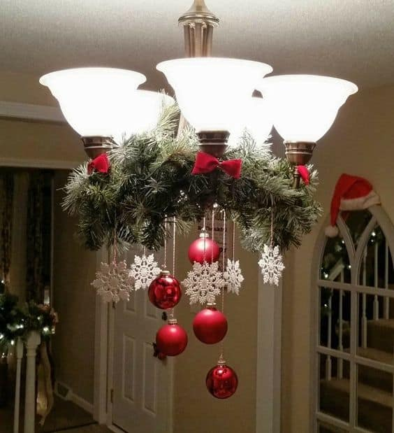 Easy DIY Glamour Christmas Chandelier Ideas for Your Home Decoration. Elegant Christmas decoration idea for mantle, window, ceiling, or wall. Great budget decor idea for the home, winter wedding, or Christmas party.