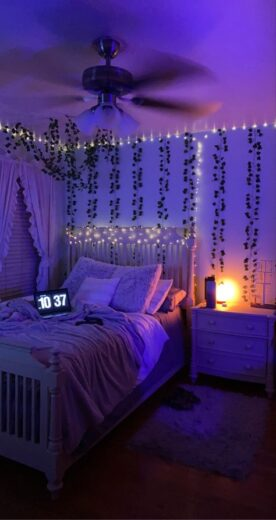 Teen bedroom with Fairy lights colored LEDs and vines