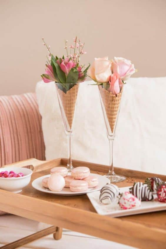 Use Champagne Glass for a vase. Easy DIY Easter Decoration idea for centerpiece using dollar store items. The Best Easy DIY Easter Craft Decoration Ideas for Spring.