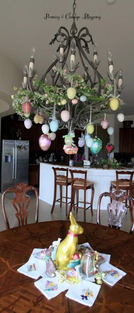 Easy DIY Easter Decoration Idea for your Chandleier 2020 #Spring #Easter