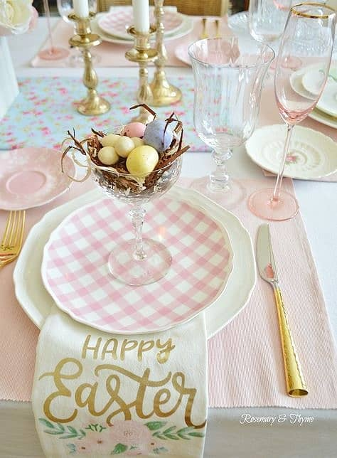 Eggs in a Martini or Champagne glass is a simple Table Decoration for Easter. The Best Easy DIY Easter Decoration Ideas