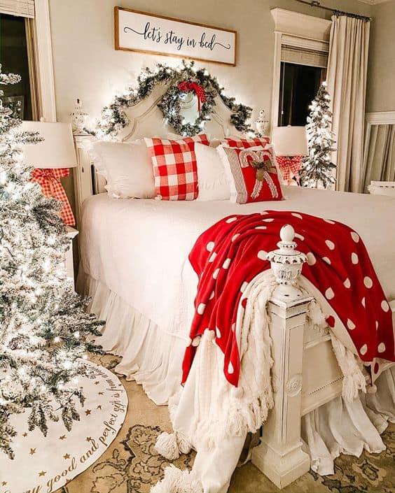 Farmhouse Christmas Decor Idea for Bedroom