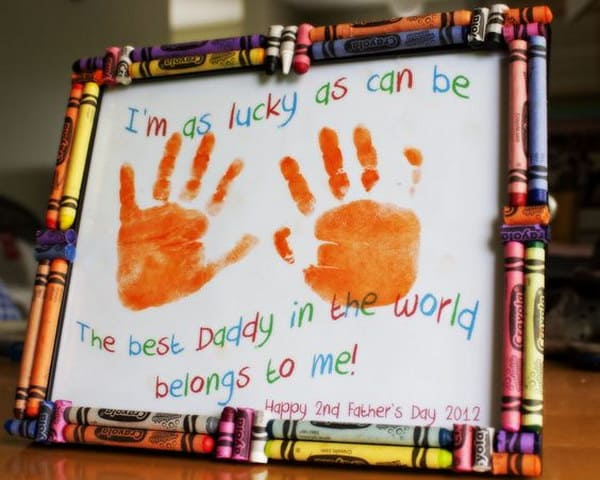 DIY Father's Day crayon frame hand print gift idea for Dad from kids