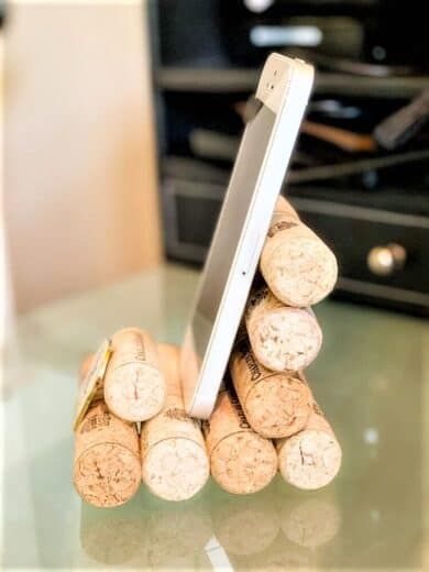 DIY Fathers Day Gift Wine Cork Cell Phone Holder