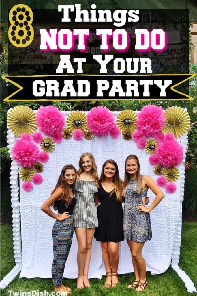 Graduation party ideas for highschool and college, boys and girls. Tips and DIY for food, snacks, decorations, pictures, and cap decorations on a budget.