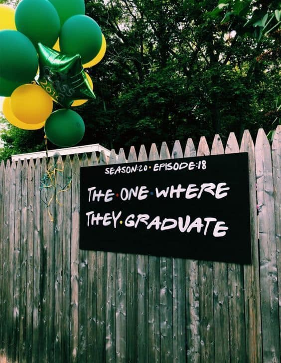 Friends tv show photo party backdrop Graduation Party idea. Easy DIY Graduation Party Decoration Ideas.