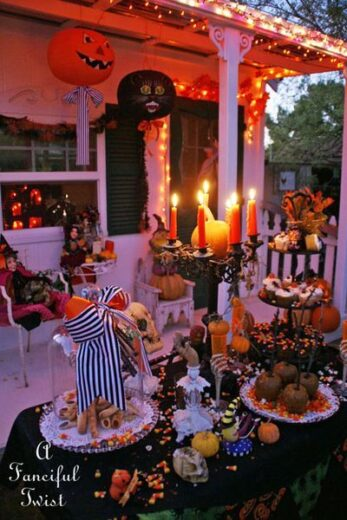 DIY Halloween Front Porch Party
