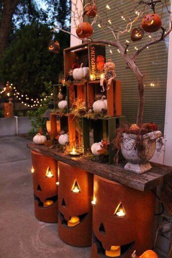 DIY Halloween Outdoor Party table decor