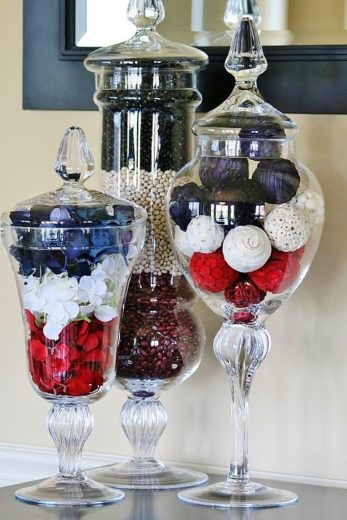 Patriotic apothecary decoration. Easy DIY 4th of July party ideas for Food and decorations.