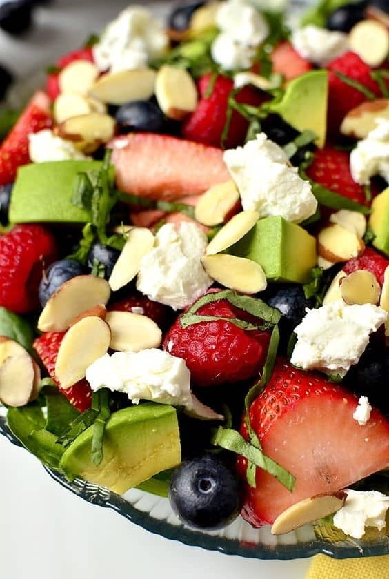 Easy DIY 4th of July Party ideas using fruit. Red white and blue salad #Patriotic