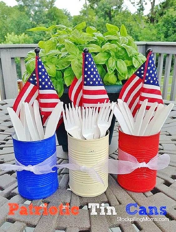 Red, white, and blue painted cans craft. Easy DIY 4th of July Party Ideas on a budget for your table. #RedWhiteAndBlue #Patriotic