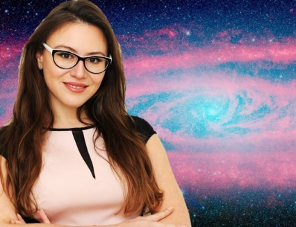 Astrology reader Lady Duncheva gives eerily accurate free astrology readings on youtube