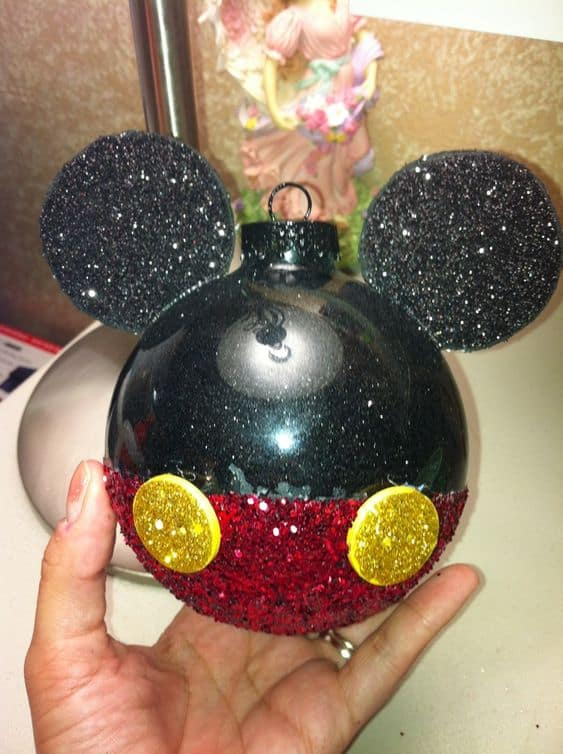 DIY Mickey Mouse Ornament, easy kids craft, looks store bought. Gift for friend, teacher gifts, kids craft, Christmas Crafts, Christmas tree ideas, Christmas gift ideas, DIY Christmas decorations