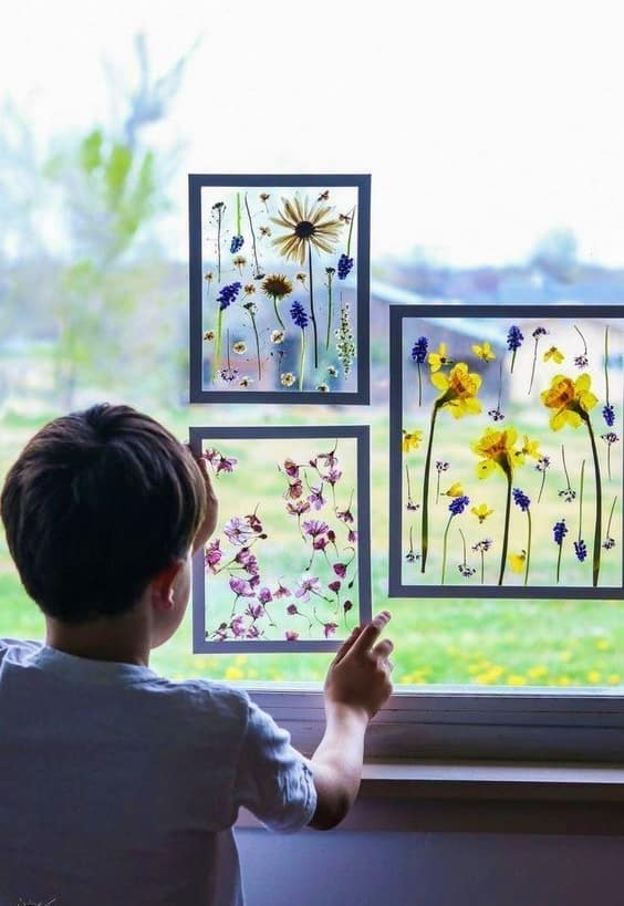 Easy DIY Pressed flower window decor Kids can make for Mothers Day. A great gift idea.
