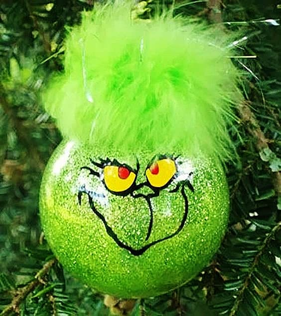 Easy DIY Grinch Christmas Ornament That Looks Store Bought. Cricut project, or paint yourself.