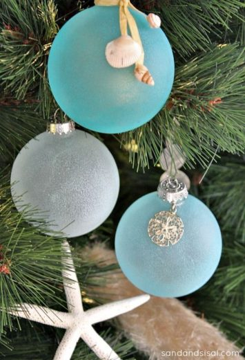Easy DIY Seaglass Seashell Beach Ornament Christmas decoration using Elmer's glue or Mod Podge, food coloring, and a glass ornament. Perfect wedding, kids, or Christmas ornaments craft. Best for an apartment, friend, or teachers gift.