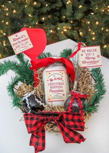 Christmas Morning pancakes gift basket gift ideas for family, friends, and neighbor
