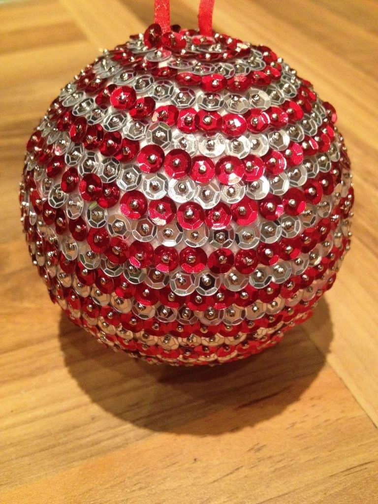 Easy DIY Sequined Push Pin Christmas Tree Ornament. Best kids craft ideas, diy Christmas decorations, Christmas gift ideas, DIY Christmas gifts, craft, gifts, Christmas Tree ideas,, apartment decorations, teachers gift
