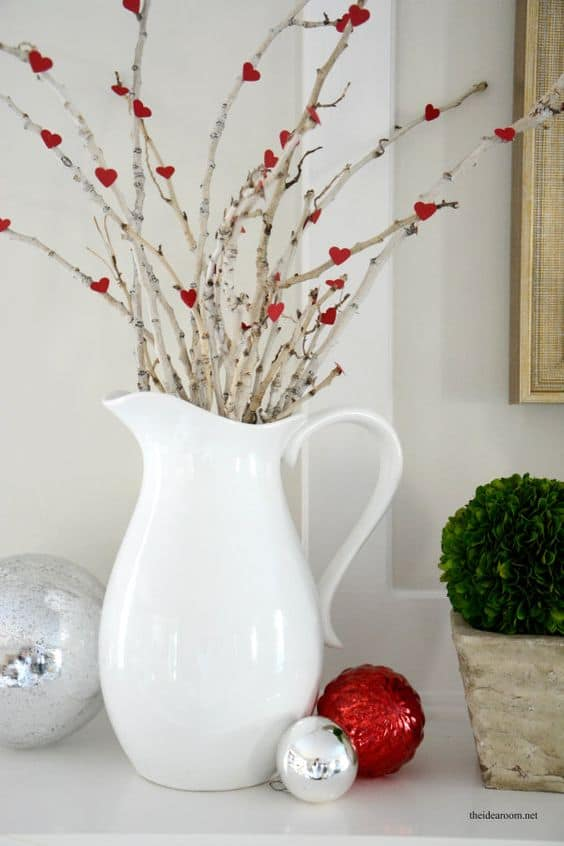 Super Easy DIY Heart Center Piece Valentines Day Decor Idea, perfet for a mantel or centerpiece for dinner,Farm House, from the Ultimate DIY Guide to Valentines Day, for him, for her, for kids, for Boyfriends, for Galentines, for Dinner, Decor, Heartshaped decor, budget