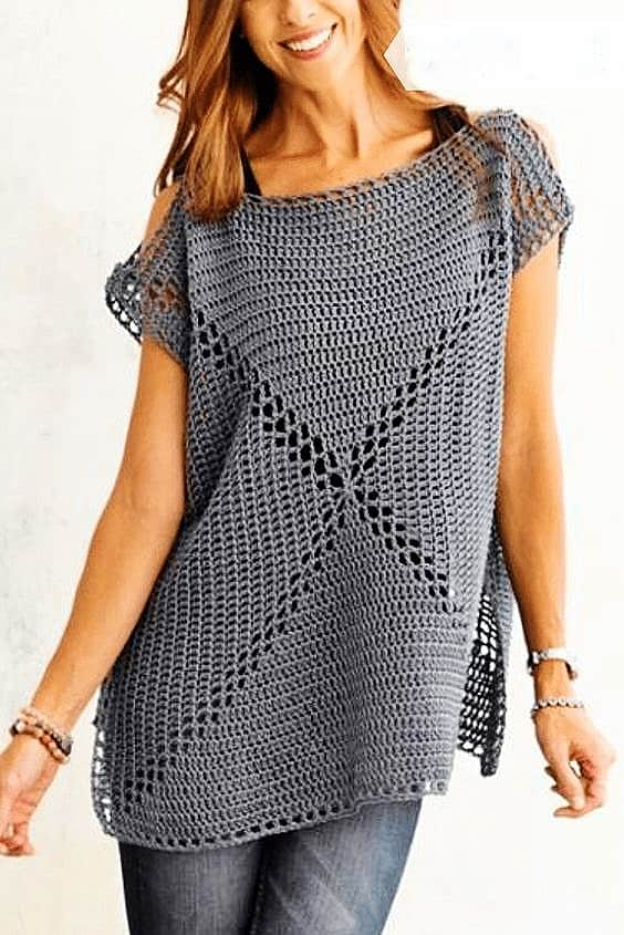 DIY Crochet Tunic. Cute, trendy outfit for Spring or Summer. Also a great gift idea. The best free crotchet patterns and tutorials.
