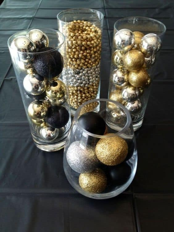 How to make: Easy DIY Christmas Decorations that cost nothing. Elegant Christmas or winter decoration, craft, or wedding centerpiece. Great Budget decor ideas for the home or party. #Christmas #Wedding #MantleDecorIdea #NYE