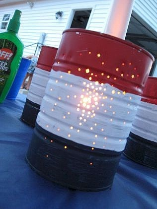 DIY red, white, and blue patriotic tin can votive. Easy DIY 4th of July Party ideas. #Patriotic